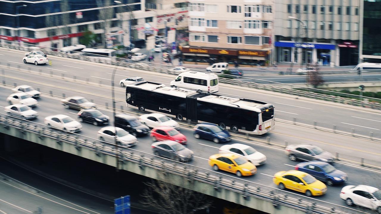 samochody w mieście